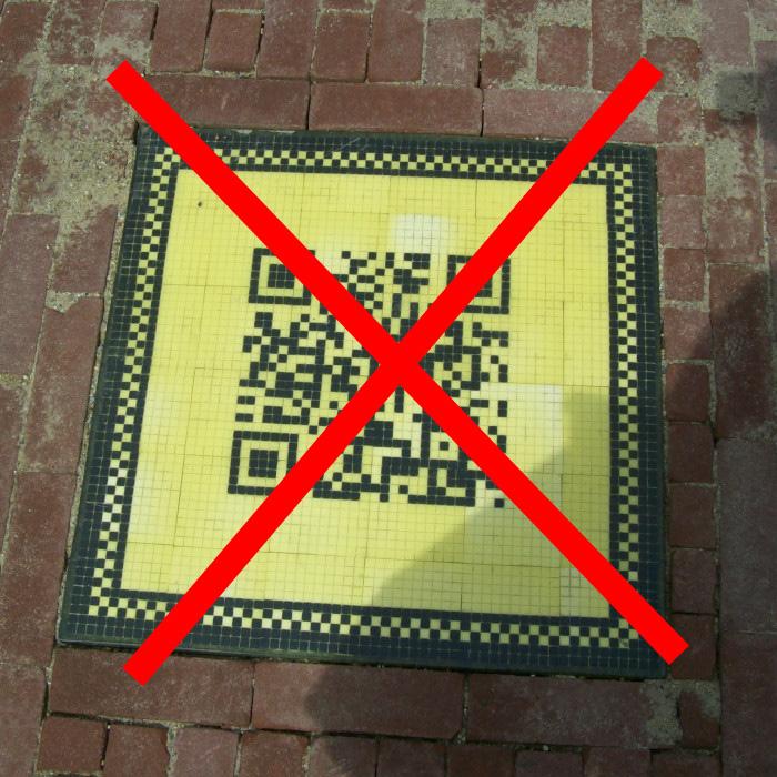 Helmond  De weblog van Helmond » Zwart-gele QR-tegels moeten zwart ...