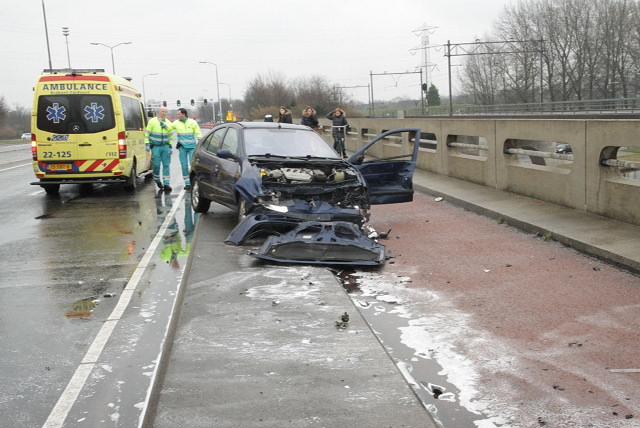 De weblog van Helmond » Stevig ongeluk op Deurneseweg (foto's)