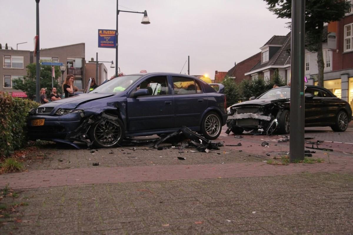 De weblog van Helmond » Ongeluk in Mierlo-Hout (2 foto's)